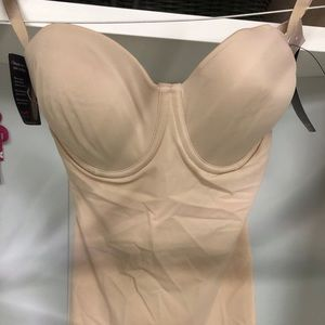 Maidenform NWT 34D Firm Control